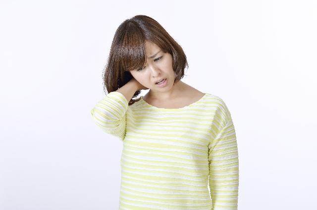 なぜ?痛みで後ろを振り向けないほどの寝違えが当院の施術で改善するのか?